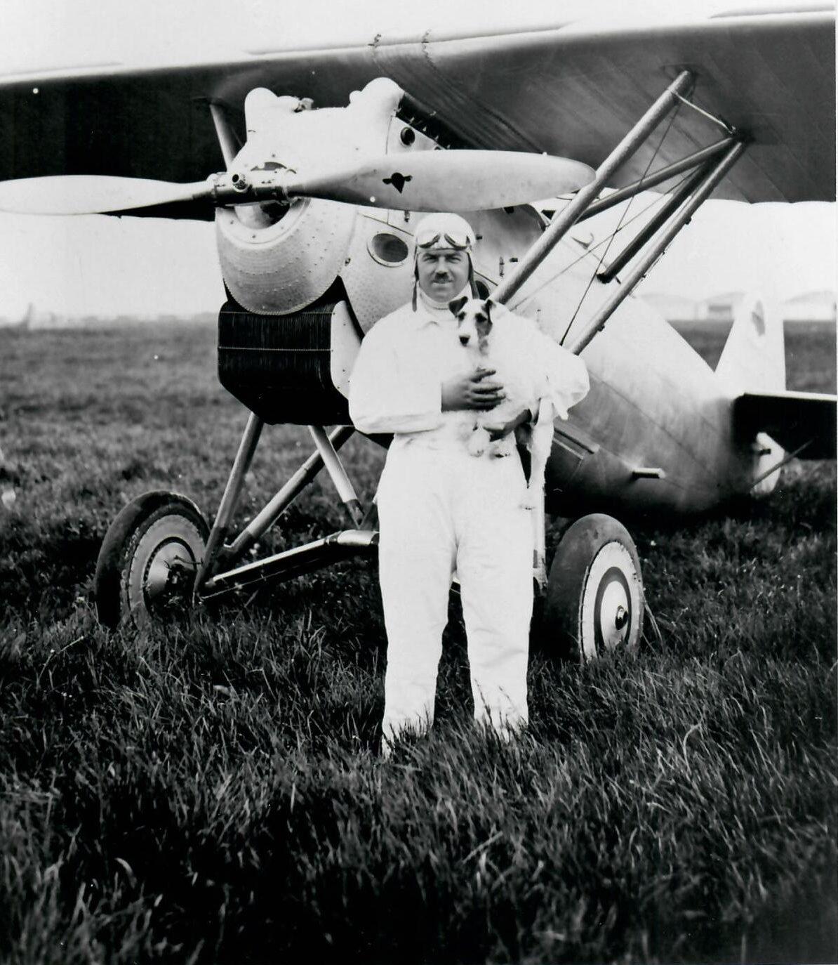 Marcel Doret, as de la voltige, pilote de Dewoitine